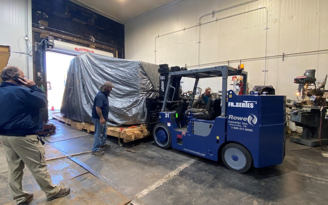 Knoxville rigging company moving a cnc machine for a knoxville metal fabrication company